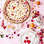 Tarta różano-morelowa