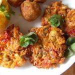 Wegetariańskie , placki warzywne z batatem i cukinią