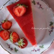 Lekkie ciasto z musem truskawkowym
