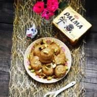 Ladoo ,czyli indyjskie słodkie kulki z ciecierzycy z kardamonem i solonymi pistacjami (Gluten free)