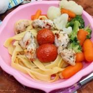 Pierś z indyka w marynacie jogurtowej pieczona z pomidorkami (obiad nie tylko dla najmłodszych)