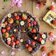 Podwójnie czekoladowa tarta z owocami