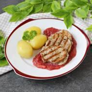 Polędwiczki wieprzowe z sosem rabarbarowym
