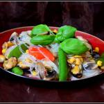 Makaron ryżowy z omułkami