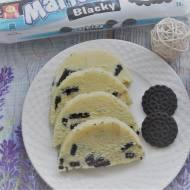 Biały blok czekoladowy z ciastkami