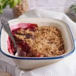Rabarbar i czereśnie pod kruszonką / Rhubarb cherry crumble
