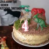 DINO PARTY CZEKOLADOWY TORT Z KREMEM ORZECHOWO-ŚMIETANOWYM