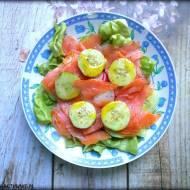 Sałatka z łososiem i warzywami