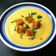 Pikantna zupa serowa z batatem.