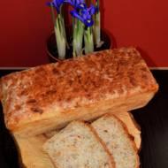 Najprostszy chleb na drożdżach ze słonecznikiem i prażoną cebulką