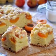 Drożdżowe ciasto z morelami