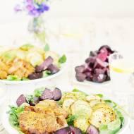 Grillowana karkówka z pieczonymi ziemniakami i buraczkami