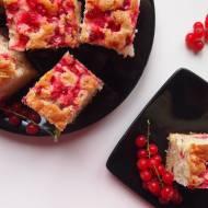 Łatwe ciasto ucierane z czerwoną porzeczką