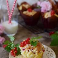 Porzeczkowe muffinki z kruszonką