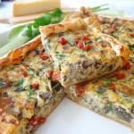 Tarta na francuskim cieście z bakłażanami i suszonymi pomidorami (Torta salata con melanzane e pomodori secchi)