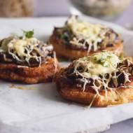 Schabowe z serem i pieczarkami / Cheesy breaded pork chops with mushrooms