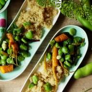Wegańska quinoa z młodymi warzywami, kiszoną limonką i miętą