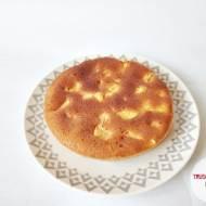 Ciasto gryczane z brzoskwiniami