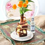 Ciasto czekoladowe z serowymi łatkami