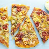 Pizza z krewetkami i curry