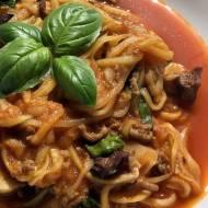 Spaghetti z cukinii – wersja mięsna à la bolognese