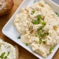 Pasta jajeczna - klasyka z małym twistem, pomysł na śniadanie