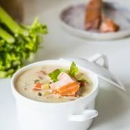 Zupa z wędzonym łososiem