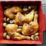 Chrupiące udka kurczaka z pieczarkami