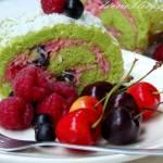 Letnia rolada z owocami