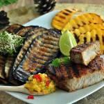Tuńczyk z salsą z mango z grilla