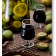 Nalewka z orzechów włoskich z czerwonym winem