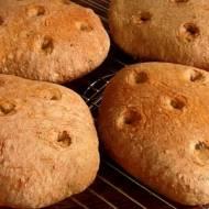 Chlebki na zaczynie z czerstwego pieczywa na zakwasie