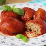 Kotleciki mięsne z kaszą bulgur w pomidorowej passacie