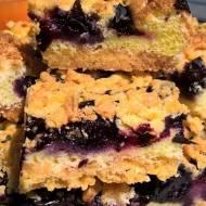 Maślane ciasto z borówkami idealne na niedzielny deser