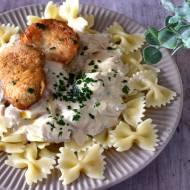 Makaron z kurczakiem i sosem pieczarkowym z mascarpone