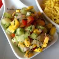 Sałatka z zielonego ogórka z kukurydzą