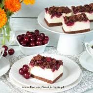 sernik z wiśniami i kakaową kruszonką