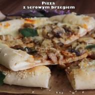 Pizza z serowym brzegiem