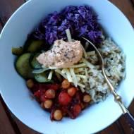 Mix wegetariański – pełnowartościowy posiłek z wykorzystaniem wielu warzyw.