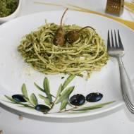Spaghetti w pesto z rukoli z chrupiącym prażonym słonecznikiem