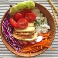 Poniedziałek: Buddha bowl z serem halloumi