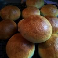 Puszyste bułki z ziemniakami - lipcowa piekarnia