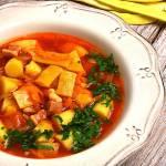 Pomidorowa zupa z fasolką szparagową