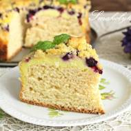 Ciasto drożdżowe z serem, jagodami i kruszonką