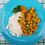 Tajskie kokosowe curry z dynią i ciecierzycą