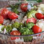 Tarta na cieście orkiszowym z warzywami i serem gorgonzola