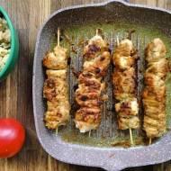 Czwartek: Szaszłyki w sosie z masła orzechowego z ryżem z kalafiora
