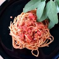 Pomidorowe ragu z pieczarkami i soczewicą – wspaniały przepis w 100% wegański.