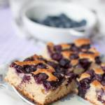Proste ciasto z borówkami amerykańskimi – pełnoziarniste, jogurtowe, bez cukru