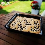 Bezglutenowe, ucierane ciasto z borówkami.